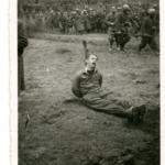 Partigiano, legato al palo, fucilato presso Delnice, Croazia, nel 1942