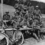 Militari italiani e tedeschi sulla linea di demarcazione fra i due eserciti