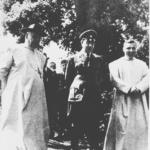 Ante Pavelić (al centro) con il nunzio a Zagabria Giuseppe Ramiro Marcone (a sinistra)