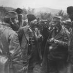 Il leader četnico Draža Mihailovićic conferisce con i propri uomini