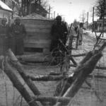 Posto di controllo presso Vič, uno dei valichi d'ingresso a Lubiana circondata da filo spinato