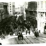 Il corteo funebre per le vie di Trieste, 28 ottobre 1945, dei fucilati ad Opicina dopo la riesumazione a Villorba di Treviso