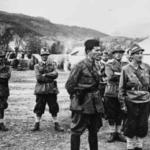 Il generale Peko Dapčević, comandante del II corpo d'armata dell'Esercito popolare di liberazione, parla ai combattenti della Divisione Garibaldi, settembre 1943