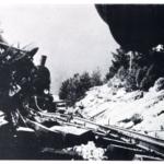 Sabotaggio di una linea ferroviaria da parte degli insorti