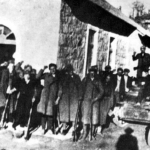 Distaccamento partigiano con un carro armato conquistato agli italiani