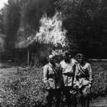 Villaggio incendiato in Slovenia dopo il saccheggio