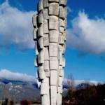Il monumento in memoria della strage di Podhum